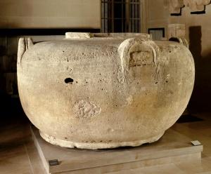 louvre-vase